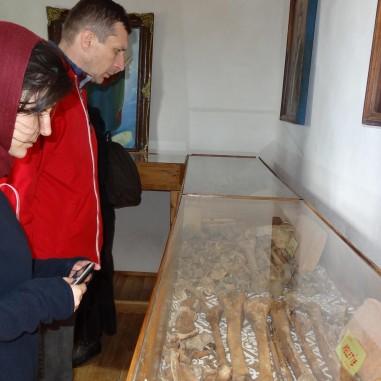 La osuarul mănăstirii